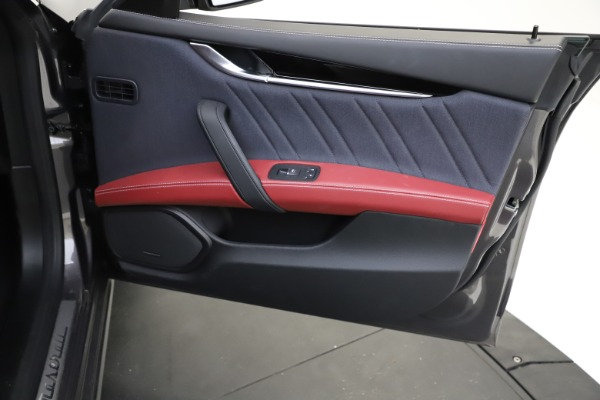 Used 2018 Maserati Ghibli SQ4 GranLusso for sale $55,900 at Bentley Greenwich in Greenwich CT 06830 18