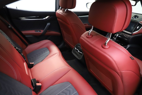 Used 2018 Maserati Ghibli SQ4 GranLusso for sale $55,900 at Bentley Greenwich in Greenwich CT 06830 19