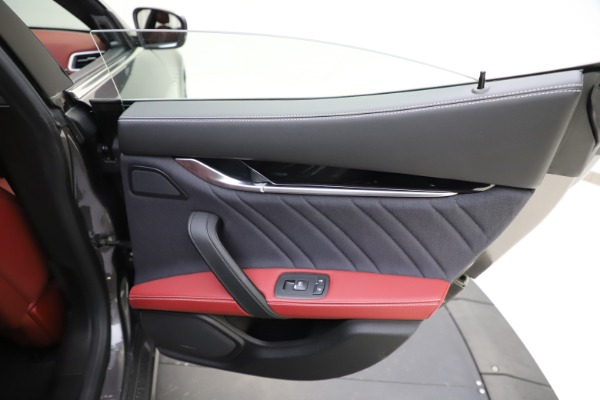 Used 2018 Maserati Ghibli SQ4 GranLusso for sale $55,900 at Bentley Greenwich in Greenwich CT 06830 21