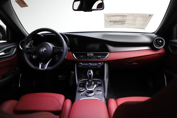 New 2021 Alfa Romeo Giulia Ti Sport for sale $54,050 at Bentley Greenwich in Greenwich CT 06830 17
