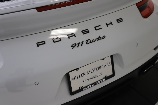 Used 2018 Porsche 911 Turbo for sale $159,990 at Bentley Greenwich in Greenwich CT 06830 27