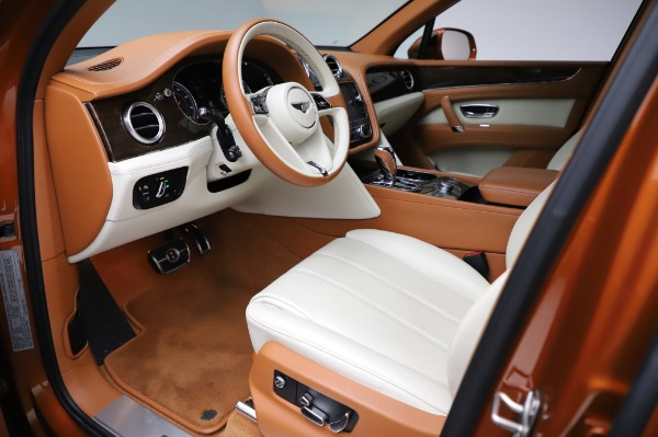 Used 2018 Bentley Bentayga Onyx Edition for sale $149,900 at Bentley Greenwich in Greenwich CT 06830 17