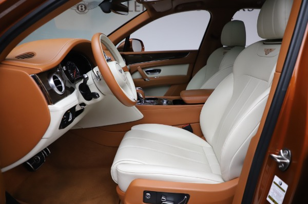 Used 2018 Bentley Bentayga Onyx Edition for sale $149,900 at Bentley Greenwich in Greenwich CT 06830 18