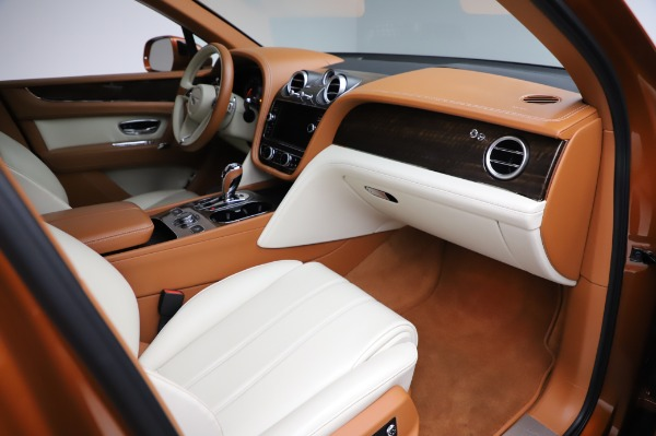 Used 2018 Bentley Bentayga Onyx Edition for sale $149,900 at Bentley Greenwich in Greenwich CT 06830 25