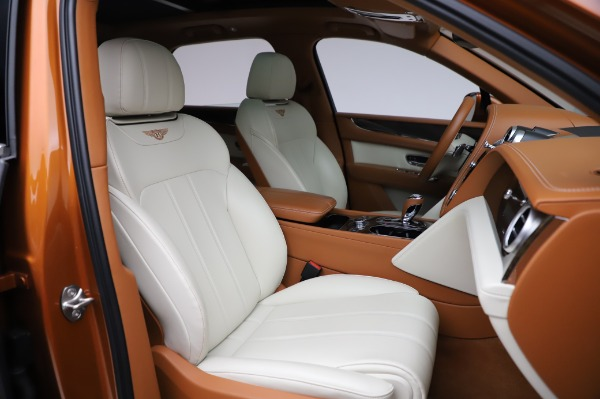 Used 2018 Bentley Bentayga Onyx Edition for sale $149,900 at Bentley Greenwich in Greenwich CT 06830 27