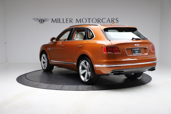 Used 2018 Bentley Bentayga Onyx Edition for sale $149,900 at Bentley Greenwich in Greenwich CT 06830 5