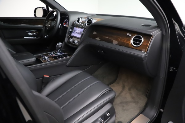 Used 2018 Bentley Bentayga Onyx Edition for sale $146,900 at Bentley Greenwich in Greenwich CT 06830 25