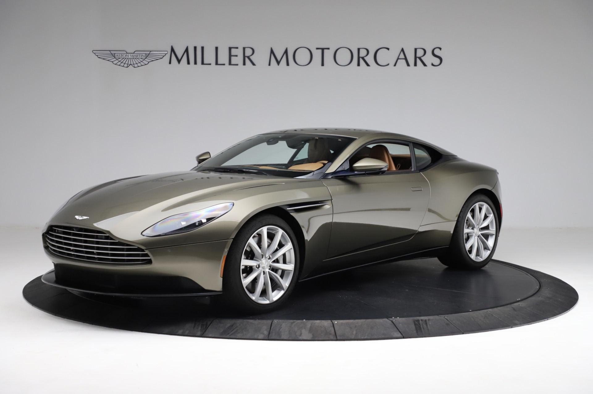 Used 2018 Aston Martin DB11 V8 for sale $151,900 at Bentley Greenwich in Greenwich CT 06830 1
