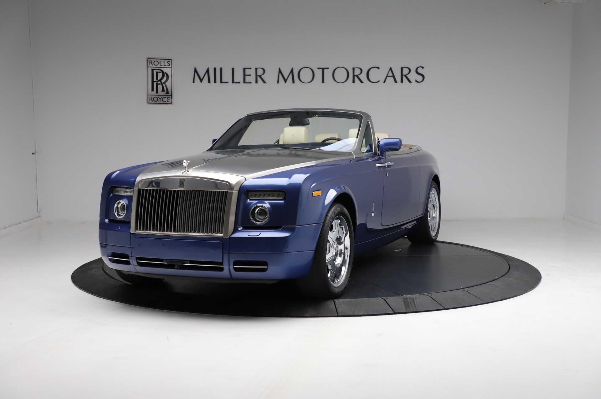 Used 2009 Rolls-Royce Phantom Drophead Coupe for sale $219,900 at Bentley Greenwich in Greenwich CT 06830 1