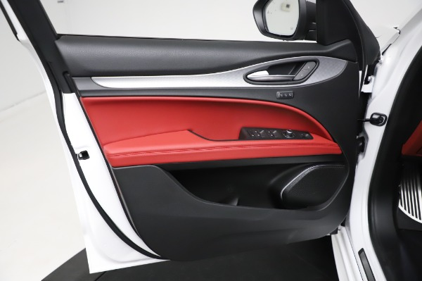 New 2021 Alfa Romeo Stelvio Ti Sport Q4 for sale $56,240 at Bentley Greenwich in Greenwich CT 06830 17