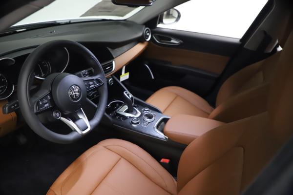 New 2021 Alfa Romeo Giulia Q4 for sale $48,535 at Bentley Greenwich in Greenwich CT 06830 14