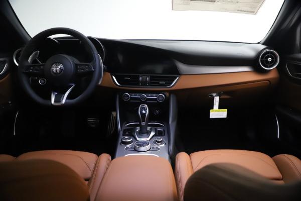 New 2021 Alfa Romeo Giulia Ti Sport Q4 for sale $54,050 at Bentley Greenwich in Greenwich CT 06830 16
