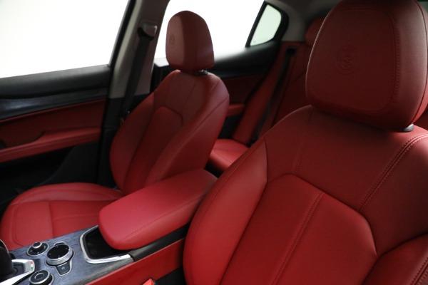 New 2021 Alfa Romeo Stelvio Q4 for sale $50,445 at Bentley Greenwich in Greenwich CT 06830 14