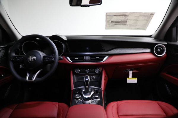 New 2021 Alfa Romeo Stelvio Q4 for sale $50,445 at Bentley Greenwich in Greenwich CT 06830 15