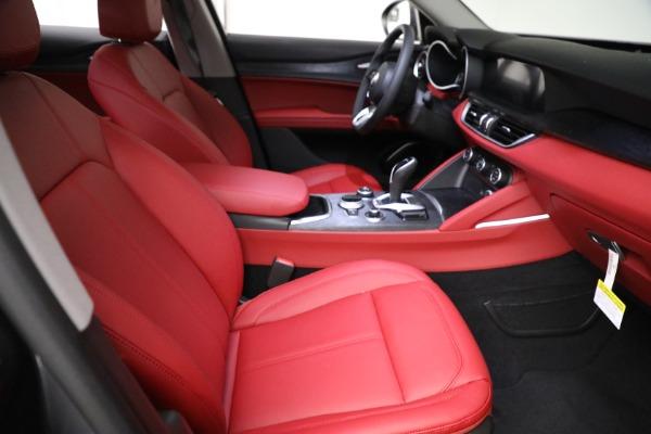 New 2021 Alfa Romeo Stelvio Q4 for sale $50,445 at Bentley Greenwich in Greenwich CT 06830 20