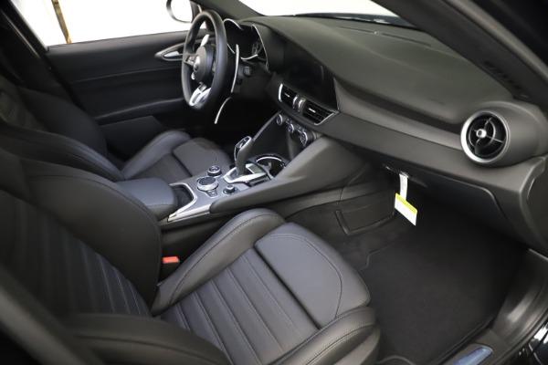 New 2021 Alfa Romeo Giulia Ti Sport Q4 for sale Sold at Bentley Greenwich in Greenwich CT 06830 21