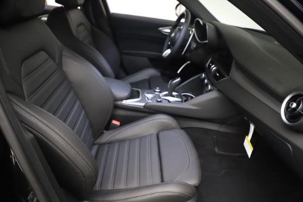 New 2021 Alfa Romeo Giulia Ti Sport Q4 for sale Sold at Bentley Greenwich in Greenwich CT 06830 22