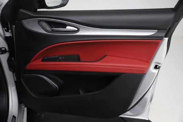 New 2021 Alfa Romeo Stelvio Ti Sport Q4 for sale $57,200 at Bentley Greenwich in Greenwich CT 06830 23