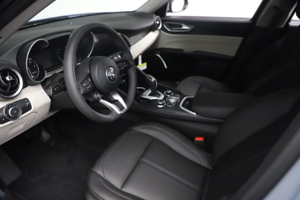 New 2021 Alfa Romeo Giulia Q4 for sale $48,245 at Bentley Greenwich in Greenwich CT 06830 14