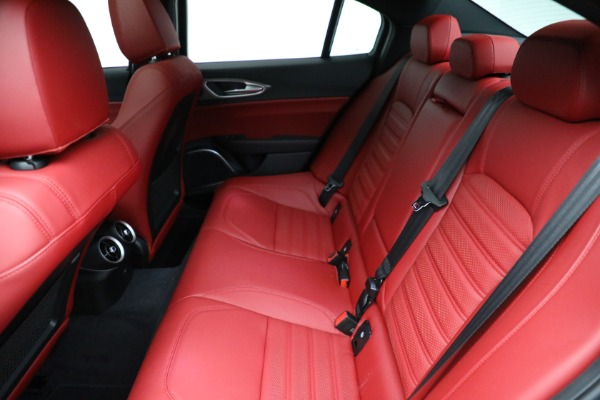 New 2021 Alfa Romeo Giulia Ti Sport Q4 for sale $54,050 at Bentley Greenwich in Greenwich CT 06830 19