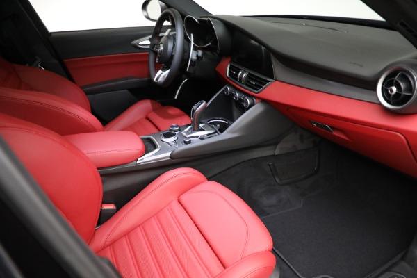 New 2021 Alfa Romeo Giulia Ti Sport Q4 for sale $54,050 at Bentley Greenwich in Greenwich CT 06830 20