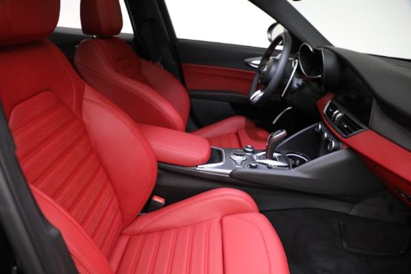 New 2021 Alfa Romeo Giulia Ti Sport Q4 for sale $54,050 at Bentley Greenwich in Greenwich CT 06830 21