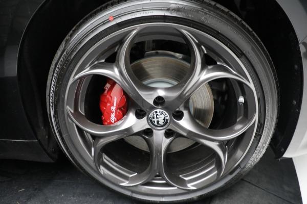 New 2021 Alfa Romeo Giulia Ti Sport Q4 for sale $54,050 at Bentley Greenwich in Greenwich CT 06830 24