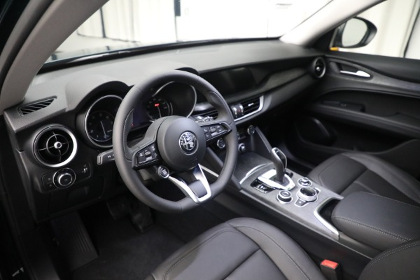 New 2021 Alfa Romeo Stelvio Q4 for sale $50,445 at Bentley Greenwich in Greenwich CT 06830 16