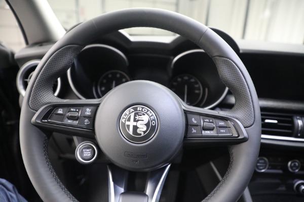New 2021 Alfa Romeo Stelvio Q4 for sale $50,445 at Bentley Greenwich in Greenwich CT 06830 17