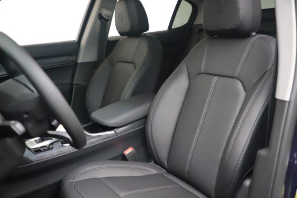 New 2021 Alfa Romeo Stelvio Q4 for sale $49,945 at Bentley Greenwich in Greenwich CT 06830 13