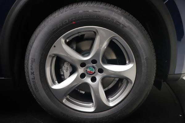 New 2021 Alfa Romeo Stelvio Q4 for sale $49,945 at Bentley Greenwich in Greenwich CT 06830 17
