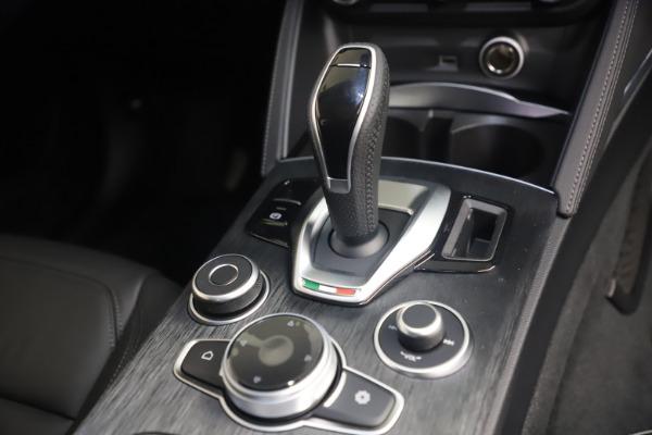 New 2021 Alfa Romeo Stelvio Q4 for sale $49,945 at Bentley Greenwich in Greenwich CT 06830 18