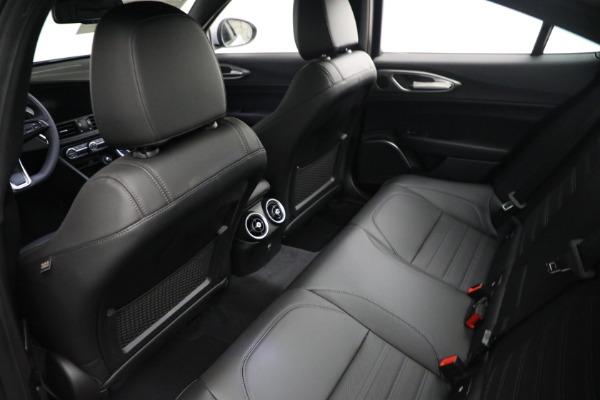 New 2021 Alfa Romeo Giulia Ti Sport Q4 for sale $53,050 at Bentley Greenwich in Greenwich CT 06830 15