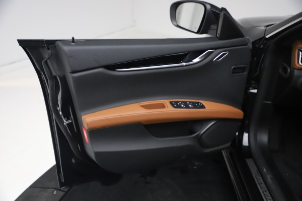 New 2021 Maserati Ghibli S Q4 for sale $90,675 at Bentley Greenwich in Greenwich CT 06830 14