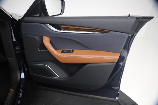 New 2021 Maserati Levante Q4 GranLusso for sale $93,385 at Bentley Greenwich in Greenwich CT 06830 23