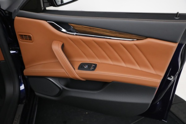 New 2021 Maserati Quattroporte S Q4 GranLusso for sale Call for price at Bentley Greenwich in Greenwich CT 06830 24