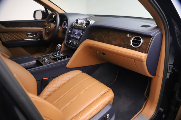 Used 2018 Bentley Bentayga W12 Signature for sale $149,900 at Bentley Greenwich in Greenwich CT 06830 25