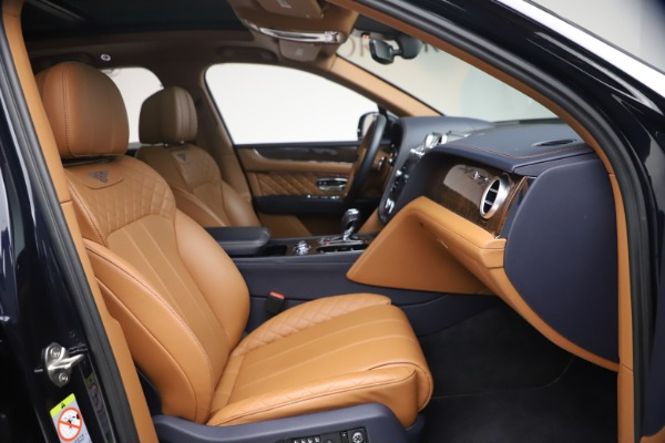 Used 2018 Bentley Bentayga W12 Signature for sale $149,900 at Bentley Greenwich in Greenwich CT 06830 26