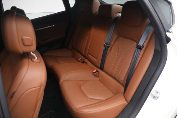 New 2021 Maserati Quattroporte S Q4 GranLusso for sale $120,599 at Bentley Greenwich in Greenwich CT 06830 20