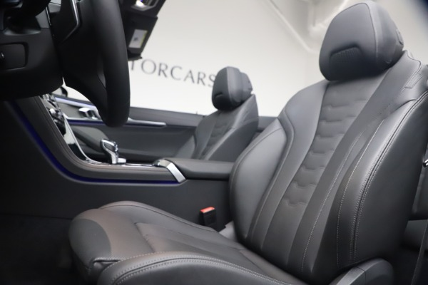 Used 2019 BMW 8 Series M850i xDrive for sale $99,900 at Bentley Greenwich in Greenwich CT 06830 25