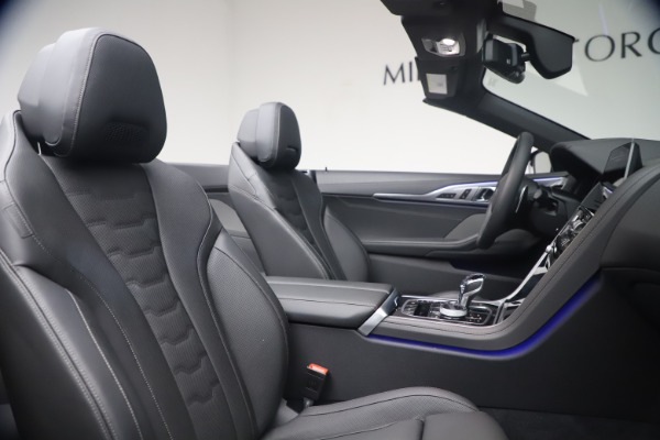 Used 2019 BMW 8 Series M850i xDrive for sale $99,900 at Bentley Greenwich in Greenwich CT 06830 28