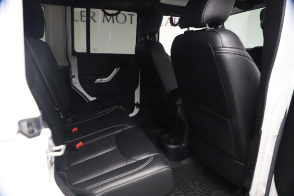Used 2015 Jeep Wrangler Unlimited Rubicon Hard Rock for sale $39,900 at Bentley Greenwich in Greenwich CT 06830 21