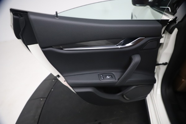 New 2021 Maserati Ghibli SQ4 for sale $85,804 at Bentley Greenwich in Greenwich CT 06830 22