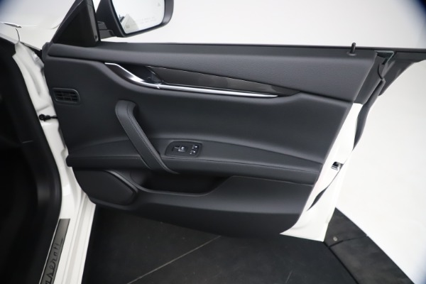 New 2021 Maserati Ghibli SQ4 for sale $85,804 at Bentley Greenwich in Greenwich CT 06830 25