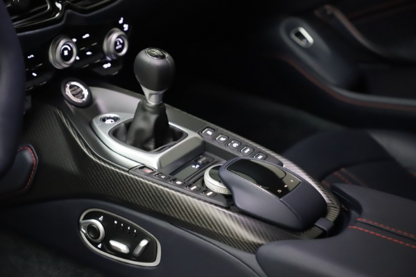 New 2021 Aston Martin Vantage for sale $189,686 at Bentley Greenwich in Greenwich CT 06830 16