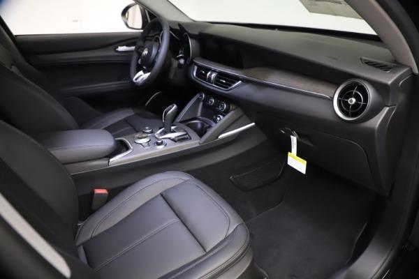 New 2021 Alfa Romeo Stelvio Ti for sale $51,955 at Bentley Greenwich in Greenwich CT 06830 19