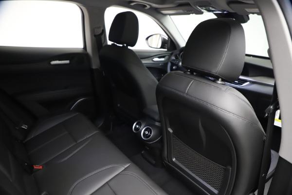 New 2021 Alfa Romeo Stelvio Ti for sale $51,955 at Bentley Greenwich in Greenwich CT 06830 21