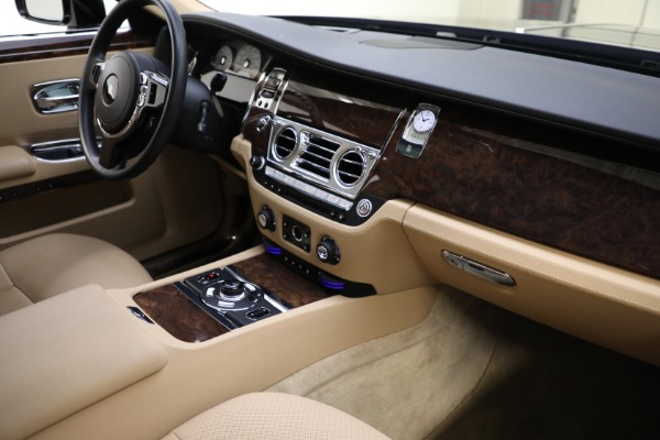 Used 2011 Rolls-Royce Ghost for sale Call for price at Bentley Greenwich in Greenwich CT 06830 13