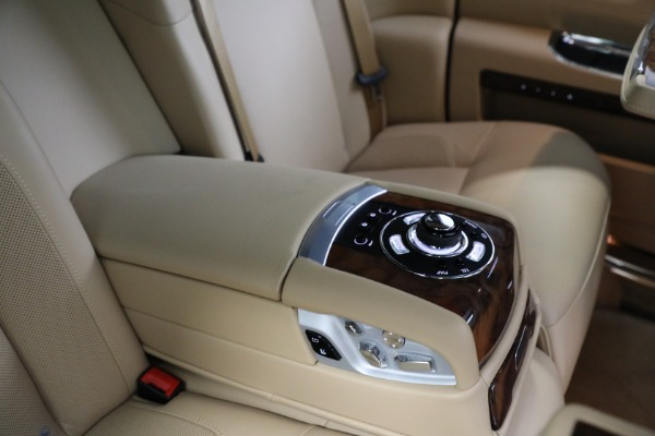 Used 2011 Rolls-Royce Ghost for sale Call for price at Bentley Greenwich in Greenwich CT 06830 21