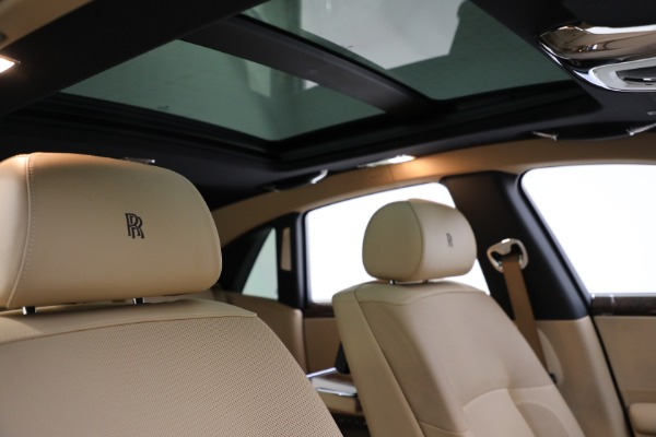 Used 2011 Rolls-Royce Ghost for sale Call for price at Bentley Greenwich in Greenwich CT 06830 22